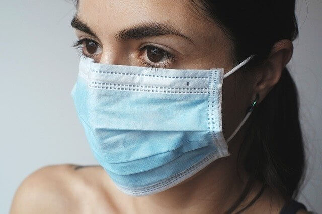 lady with facemask